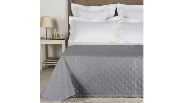 Illusione Light Quilt