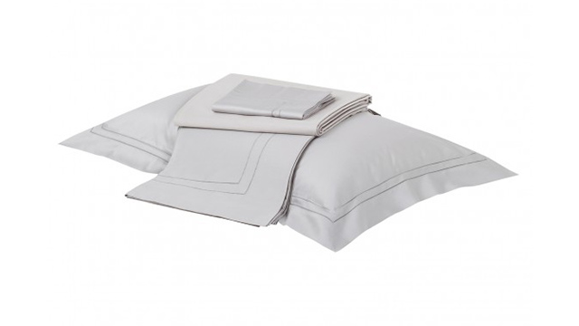 Doppio Ajour Bed Set.