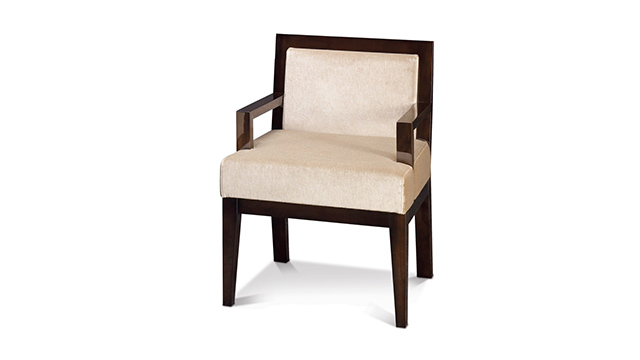 Moderne Dining Host Chair