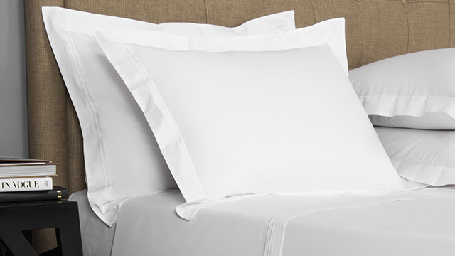 Hotel Classic Bed Set.