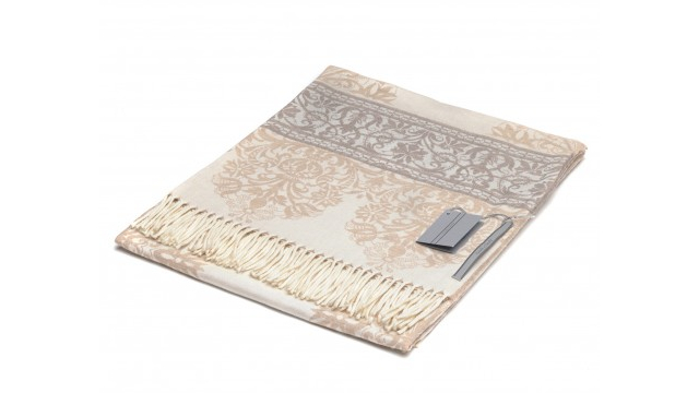 Torcello Jacquard Throw Blanket