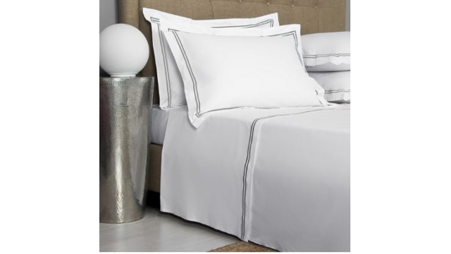 Hotel Classic Bed Set