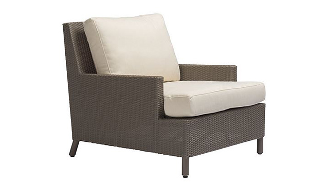 Outdoor Plateau Lounge Chair
